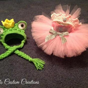 SALE! Frog Prince & Princess, bonnet, crown and tutu, newborn baby twin boy girl photo prop